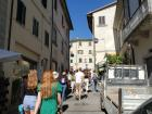 Walking through the streets of Vinci